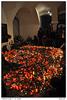 Svíčky u pomníku